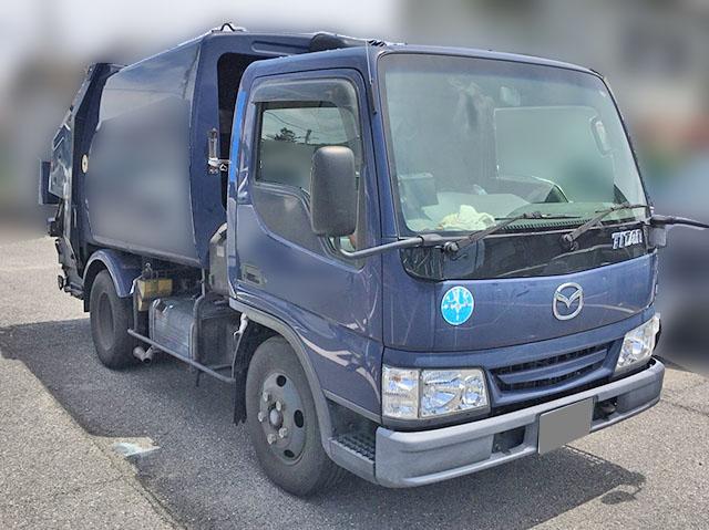 ゴミ収集車 タイタン