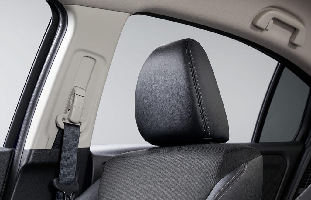 グレイス 頚部衝撃緩和フロントシート&頭部衝撃保護インテリア
