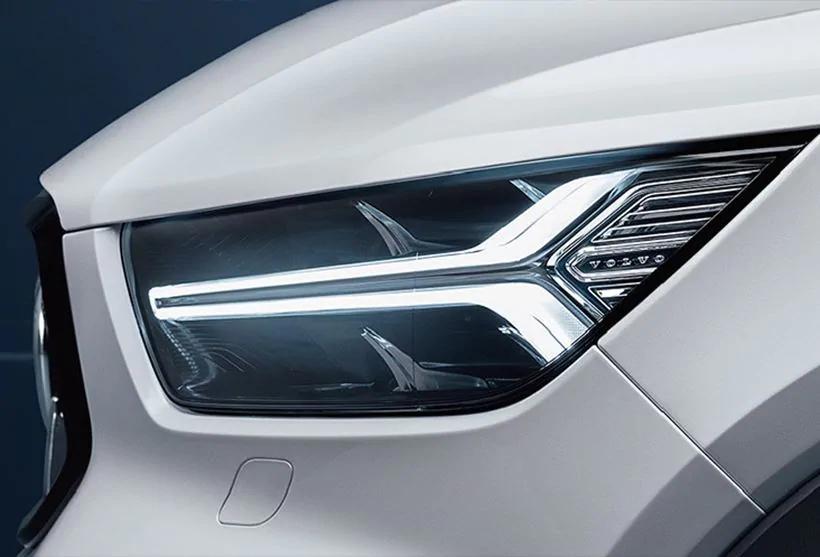 XC40 LEDヘッドライト