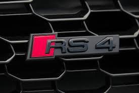 アウディ RS4エンブレム