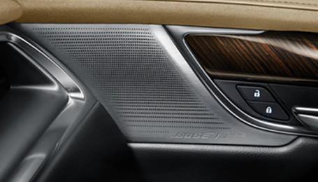 XT6 Bose Performance Seriesサラウンドサウンドシステム
