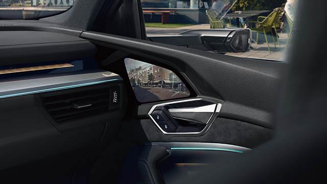 e-tron Sportback バーチャルエクステリアミラー