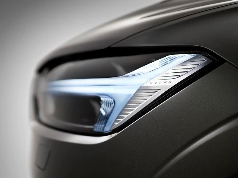 XC60 LEDヘッドライト