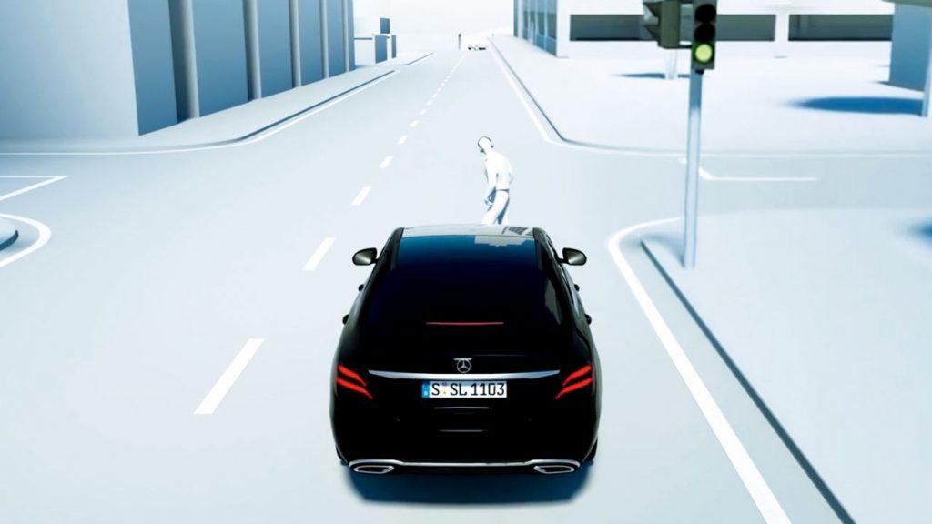 GLE アクティブブレーキアシスト(歩行者飛び出し右折時対向車検知機能付)