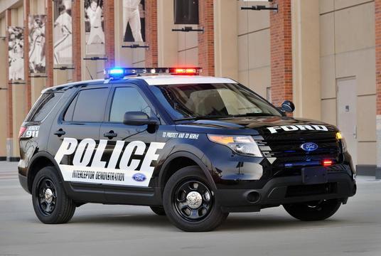 220系クラウンパトカー アメリカSUVパトカー