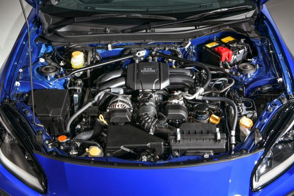 BRZ FA24エンジン